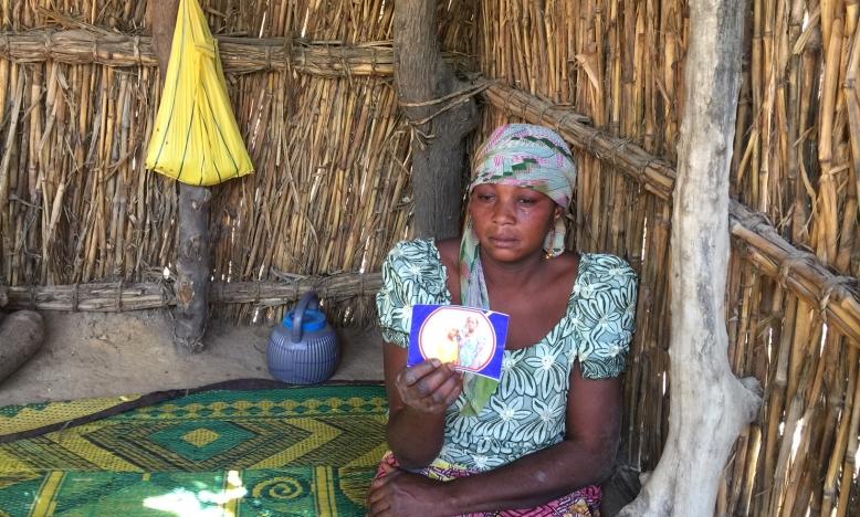 De moeder van één van de ontvoerde meisjes © Amnesty International Nigeria