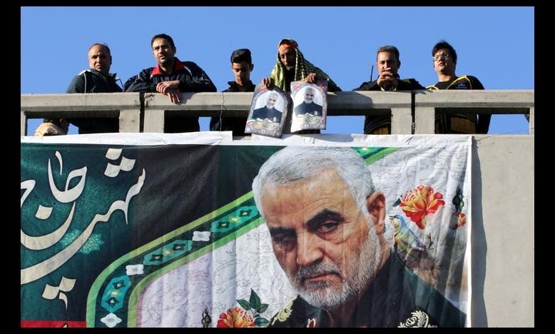 Tijdens de begrafenis van generaal Soleimani rouwen toeschouwers om zijn dood. © Atta Kenare/AFP via Getty Images