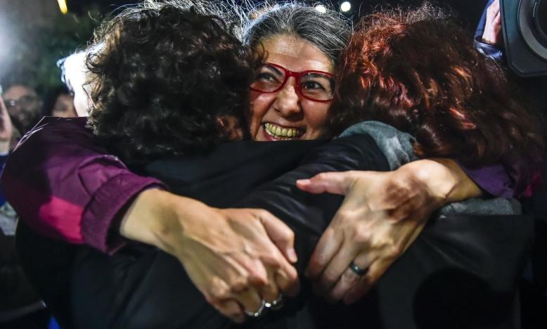 Idil Eser - directeur Amnesty Turkije komt vrij