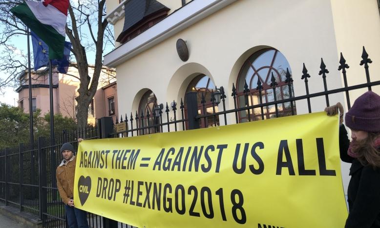 Tegen hen =  tegen ons allemaal. Maak een einde aan #LexNGO2018