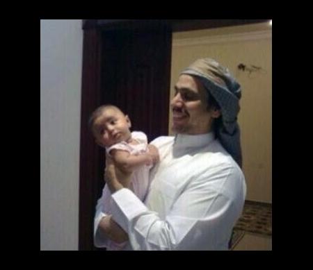 Mohammed al-'Ajami met zijn oudste zoon © Private