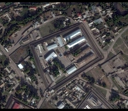 Satellietbeeld van het Tashtiurma detentiecentrum in Oezbekistan