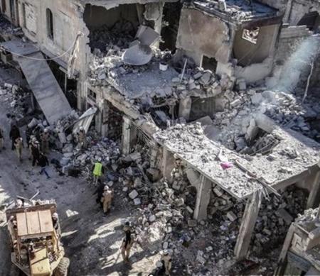 Schade op de Ariha-markt na een luchtaanval op 29 november 2015. ©Muhammad Qurabi al-Ghazal