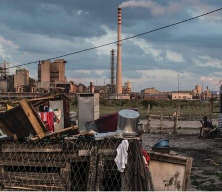 Zuid-Afrika: Vier jaar na Marikana-moorden nog steeds slechte woonomstandigheden mijnwerkers