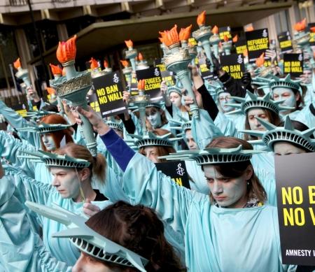 VS-inreisverbod voor moslims zou onmetelijke schade veroorzaken © Marie-Anne Ventoura/Amnesty UK