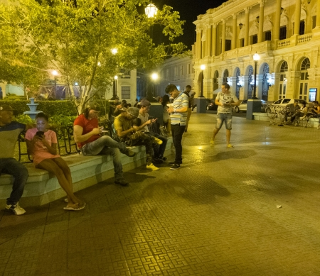 Online vrijheid Cuba ©Arturo Filastó