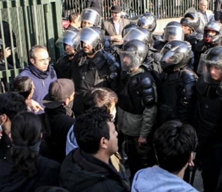 Iran moet dood van gedetineerde betogers onderzoeken