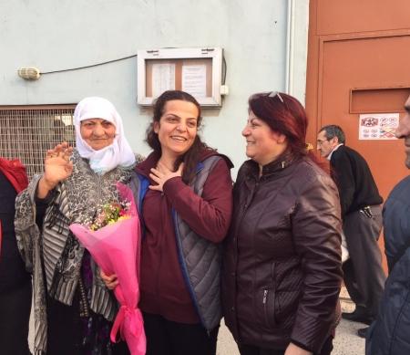 Sibel Çapraz bij haar vrijlating © privéfoto