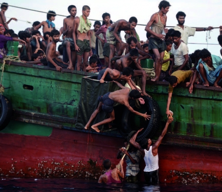 Voedselhulp voor Rohingya in Thailand ©2015 Getty Images