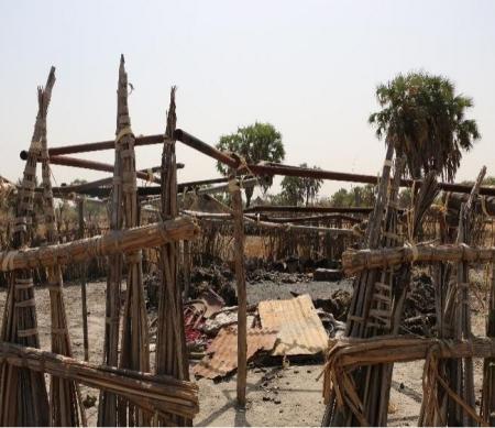 platgebrand dorp in Leer, Zuid-Soedan