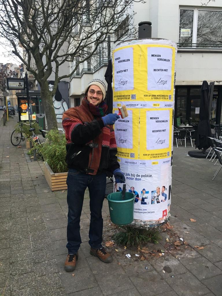 Heb jij de poster van Loesje gespot in het straatbeeld?