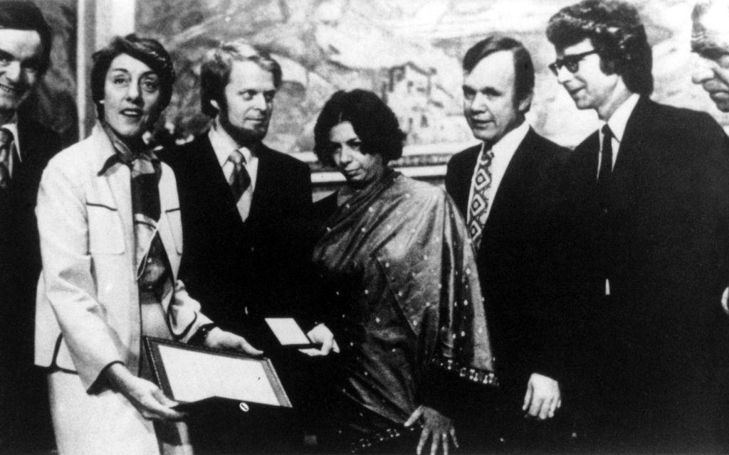 In 1977 ontvangt Amnesty International de Nobelprijs voor de Vrede