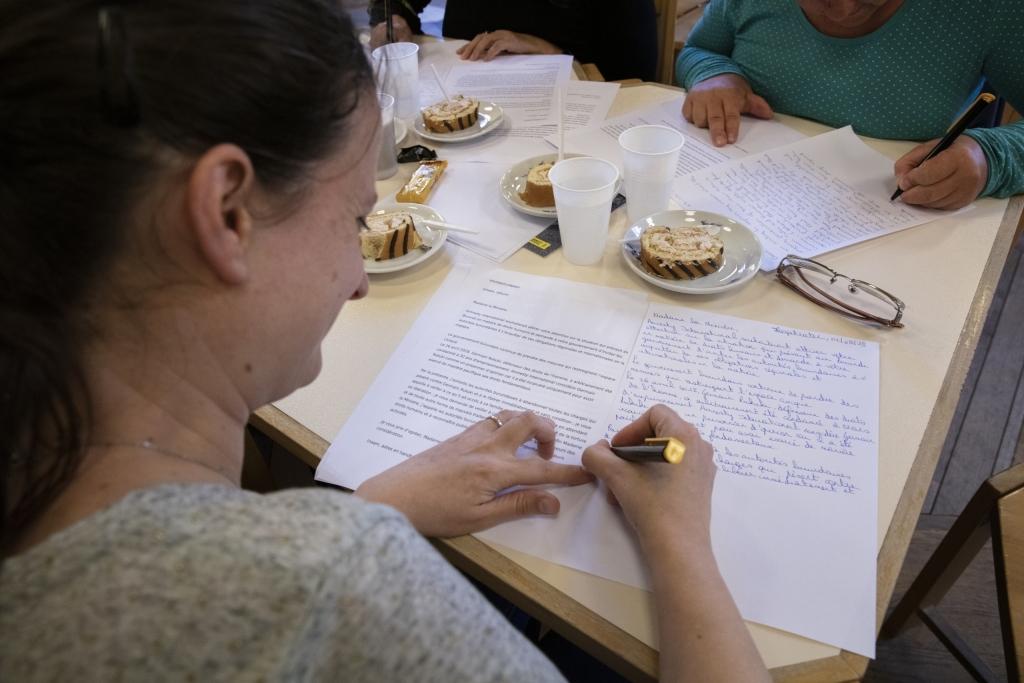 Brieven schrijven met gevangenen (c) Alex Deyaert