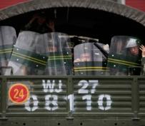 Politie in Urumqi, West-China